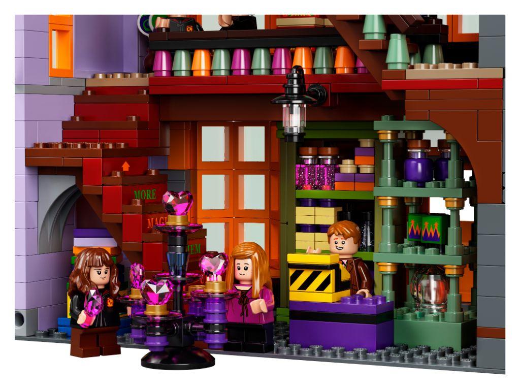 LEGO Harry Potter 75978 Diagon Alley 44