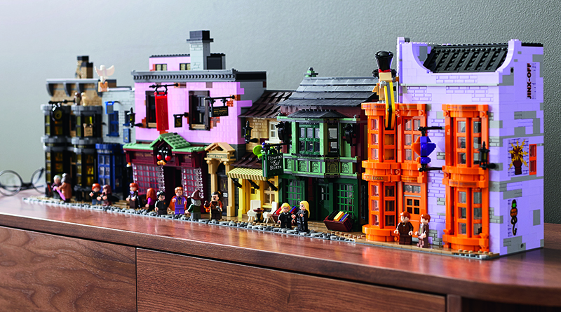 LEGO Harry Potter 75978 Diagon Alley Featured 2