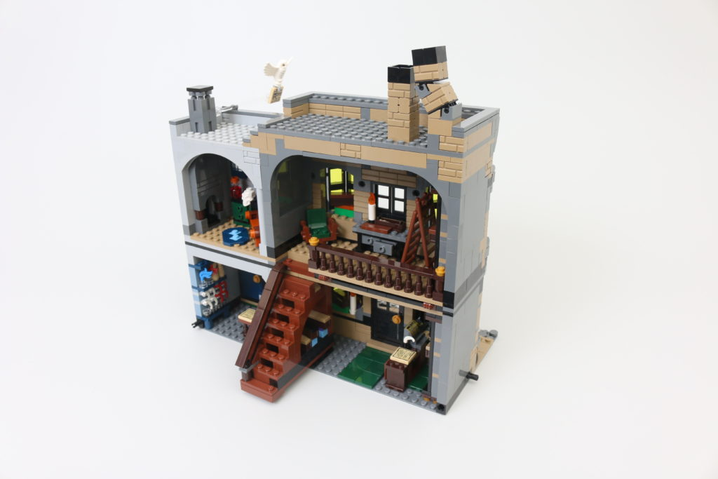 LEGO Harry Potter 75978 Diagon Alley Review 14