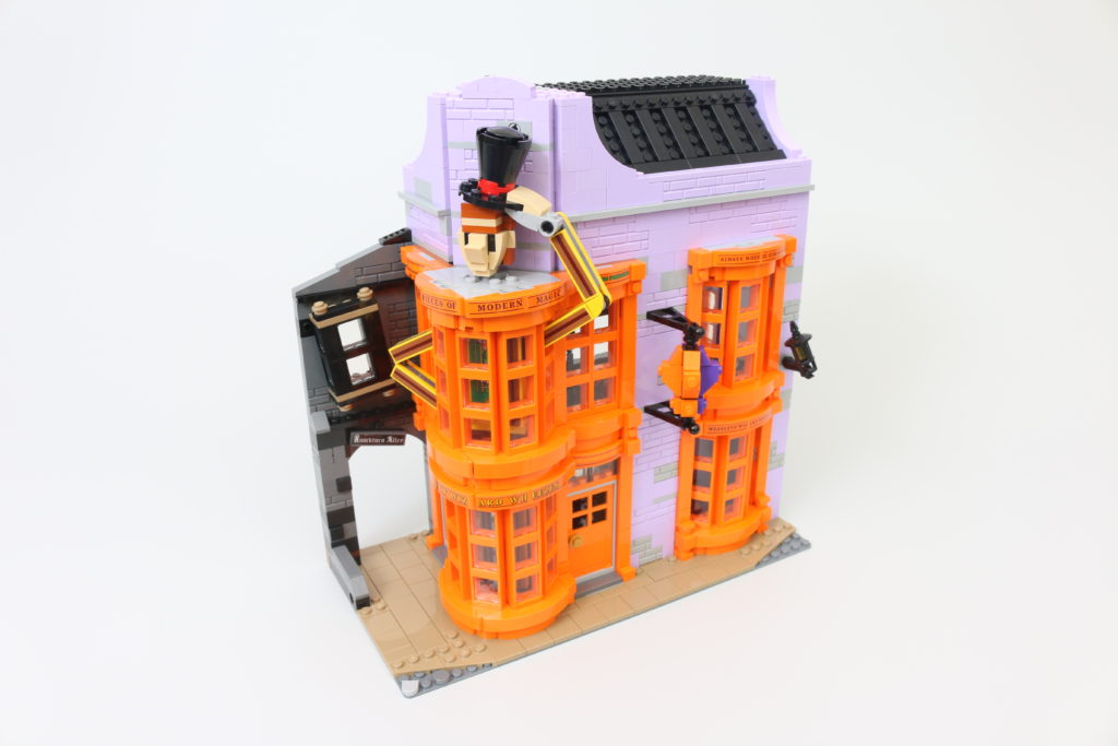 LEGO Harry Potter 75978 Diagon Alley Review 15