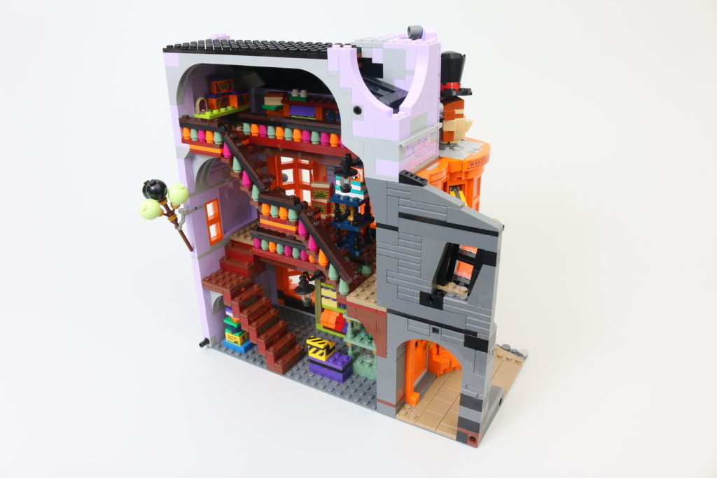 LEGO Harry Potter 75978 Diagon Alley Review 16