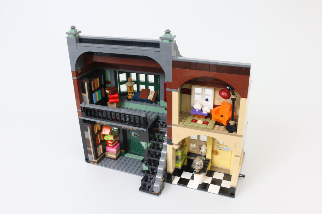 LEGO Harry Potter 75978 Diagon Alley Review 20
