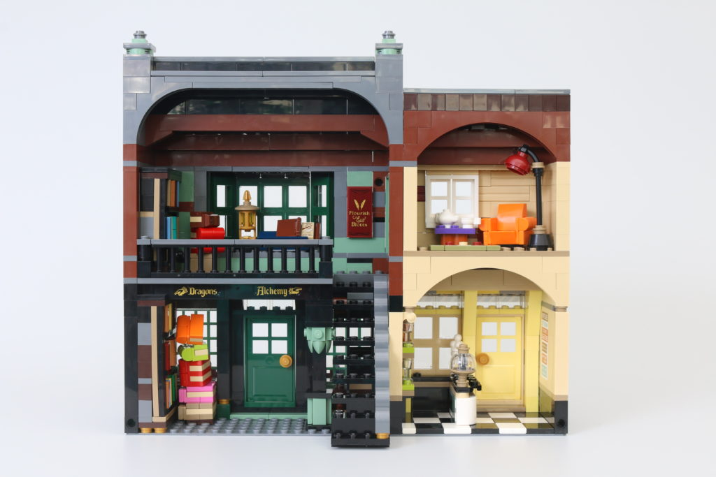 LEGO Harry Potter 75978 Diagon Alley Review 21