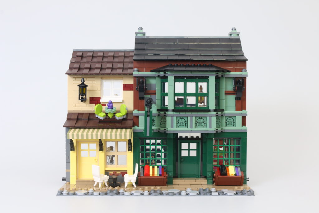 LEGO Harry Potter 75978 Diagon Alley Review 22