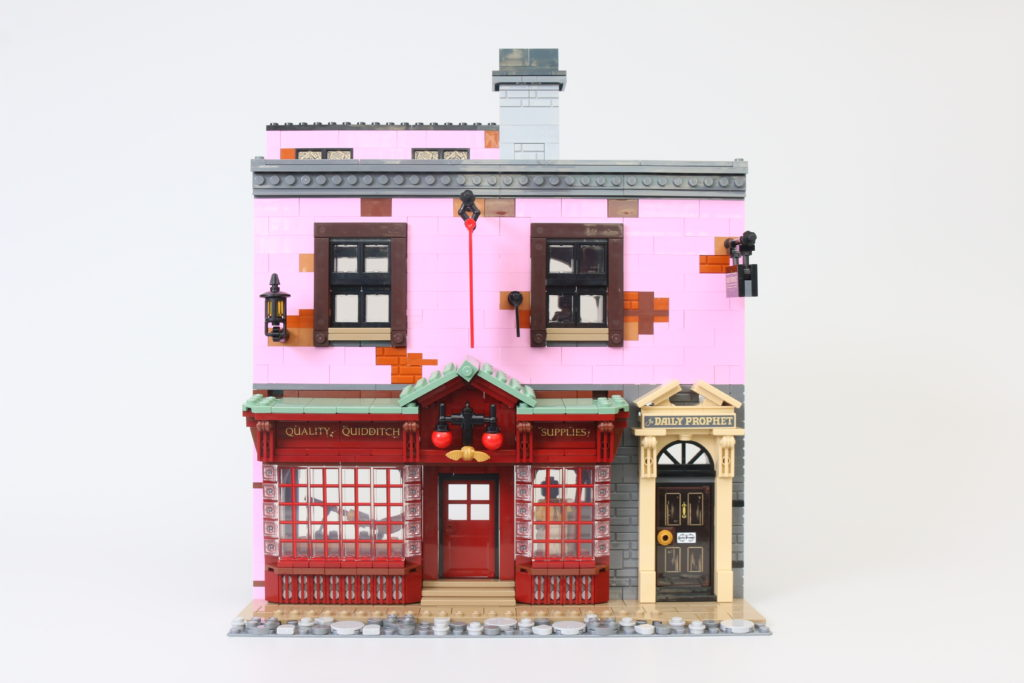 LEGO Harry Potter 75978 Diagon Alley Review 25