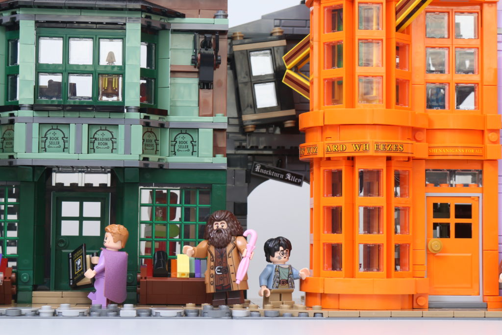 LEGO Harry Potter 75978 Diagon Alley Review 3