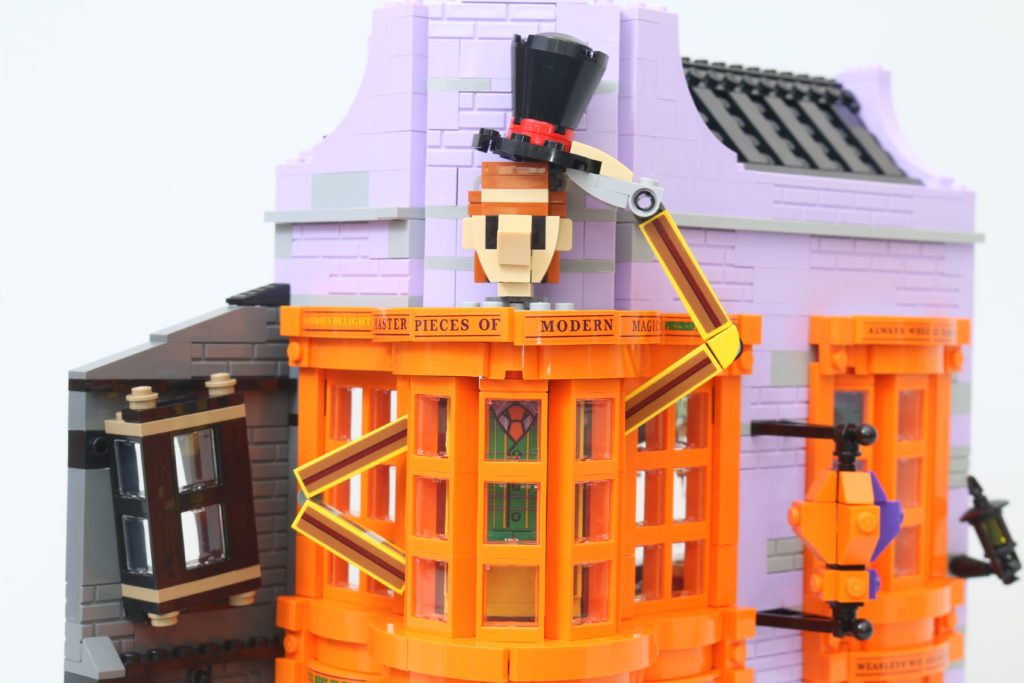 LEGO Harry Potter 75978 Diagon Alley Review 35