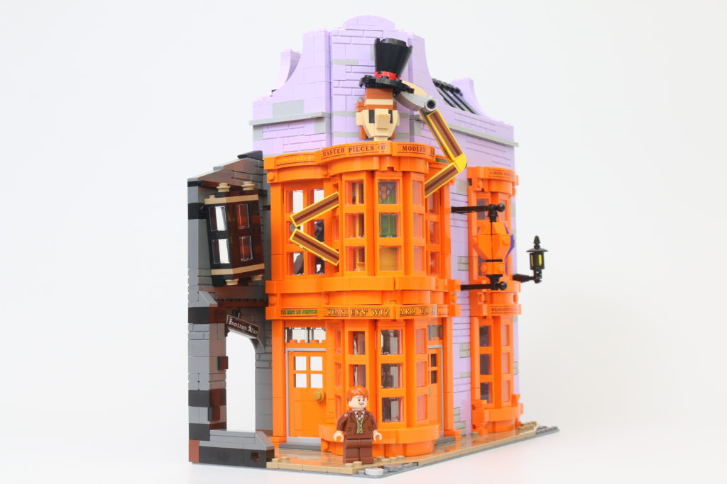 LEGO Harry Potter 75978 Diagon Alley Review 39