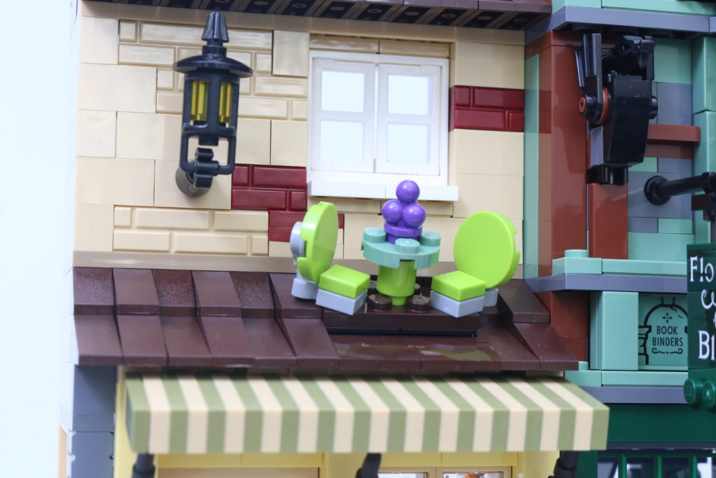 LEGO Harry Potter 75978 Diagon Alley Review 47