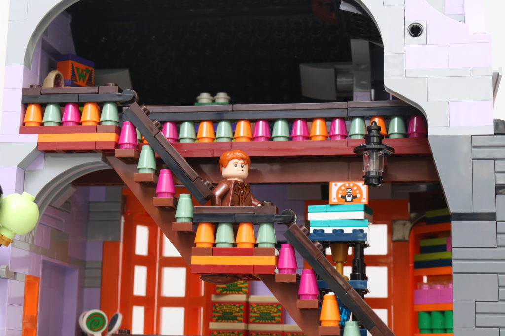 LEGO Harry Potter 75978 Diagon Alley Review 5