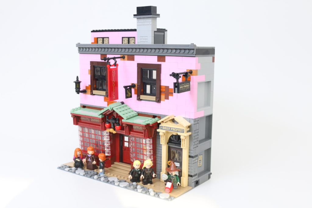 LEGO Harry Potter 75978 Diagon Alley Review 57