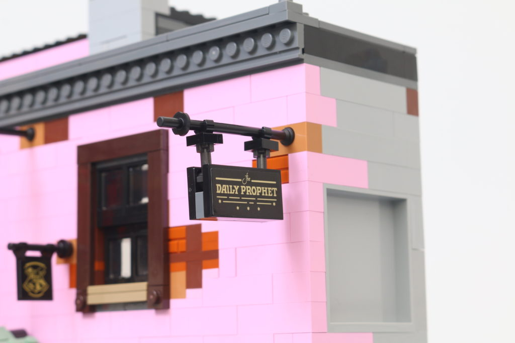 LEGO Harry Potter 75978 Diagon Alley Review 61