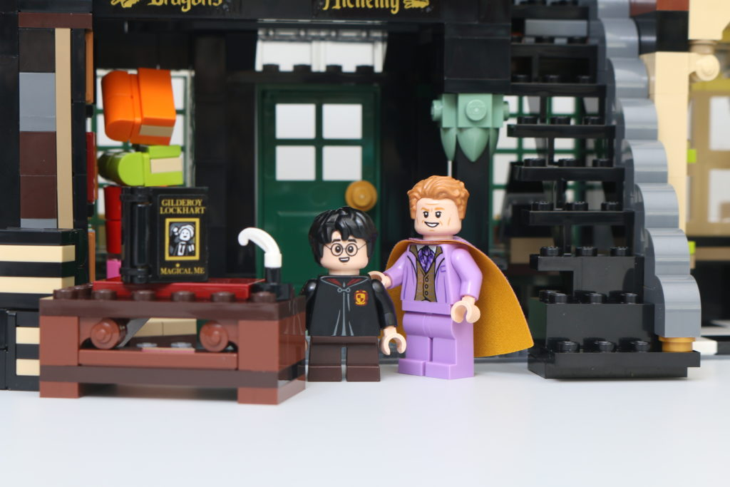 LEGO Harry Potter 75978 Diagon Alley Review 7