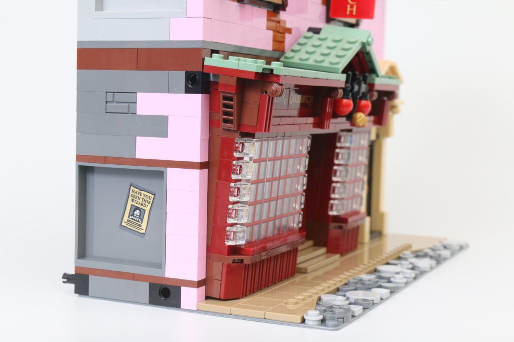 LEGO Harry Potter 75978 Diagon Alley Review 70