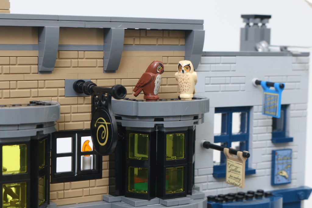 LEGO Harry Potter 75978 Diagon Alley Review 72