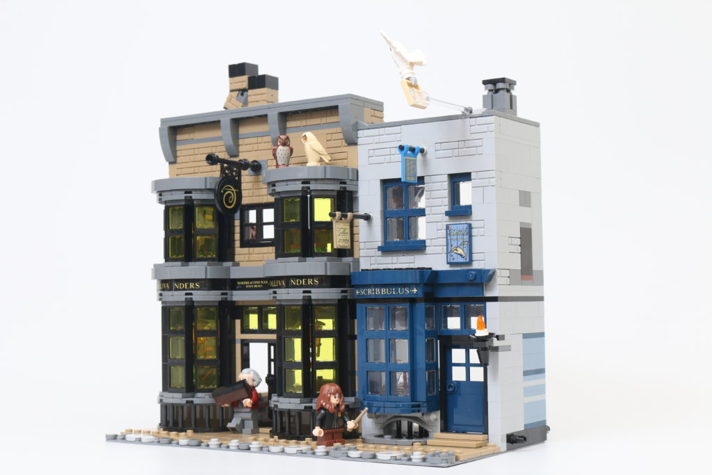 LEGO Harry Potter 75978 Diagon Alley Review 77