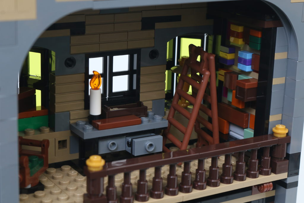 LEGO Harry Potter 75978 Diagon Alley Review 82