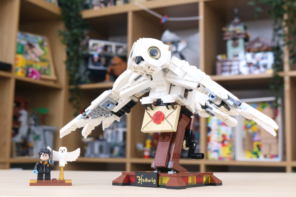 LEGO Harry Potter 75979 Hedwig Review 36