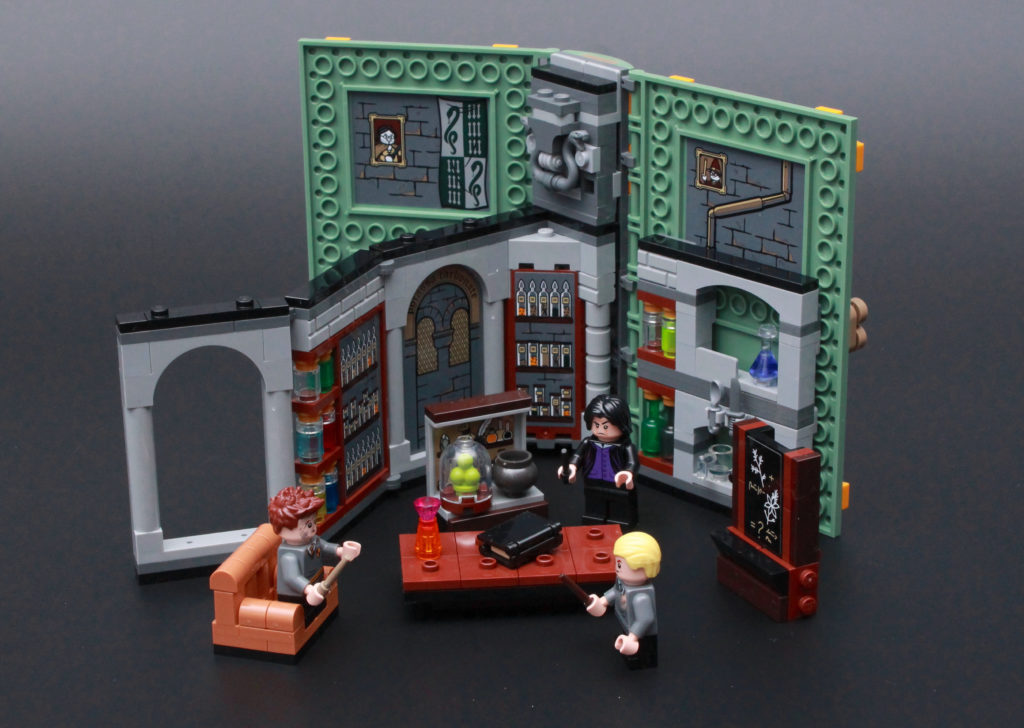 LEGO Harry Potter 76383 Potions Class Review 1