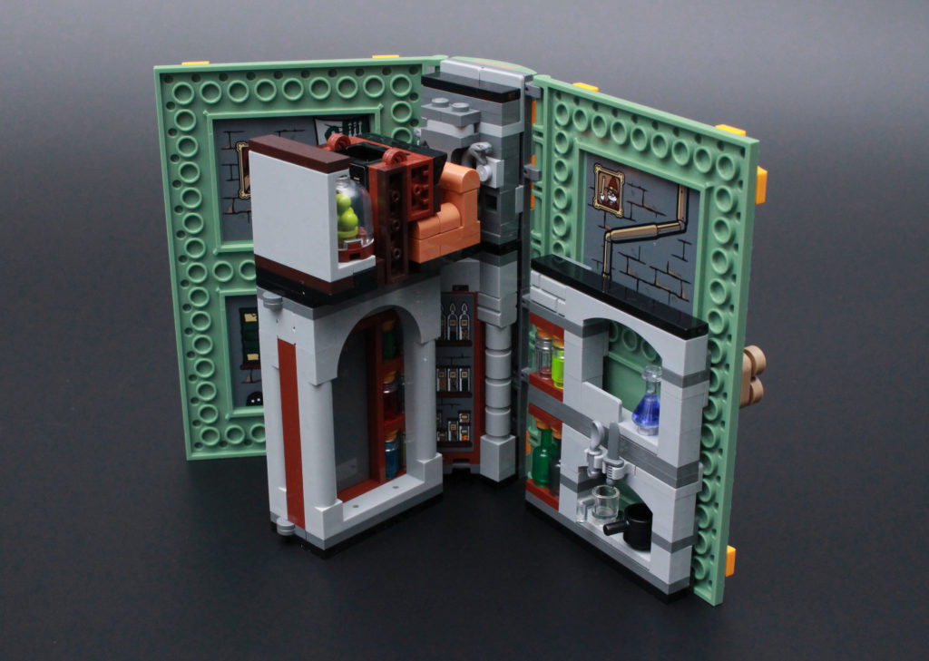 LEGO Harry Potter 76383 Potions Class Review 11
