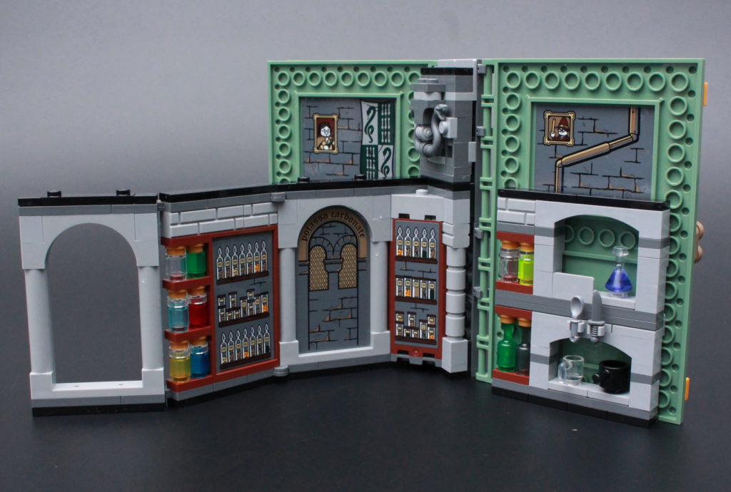 LEGO Harry Potter 76383 Potions Class Review 5