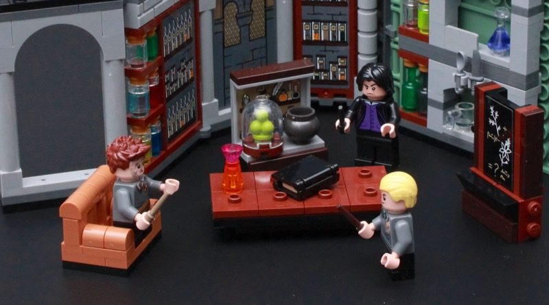 LEGO Harry Potter 76383 Potions Class Review Featured 800x445