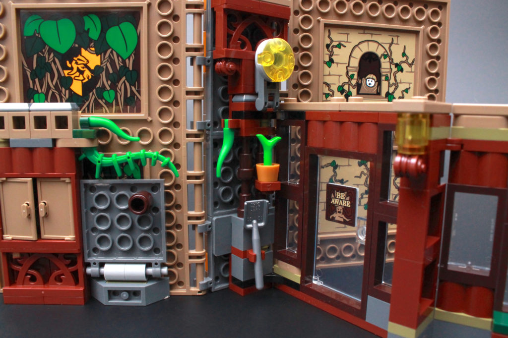 LEGO Harry Potter 76384 Hogwarts Moment Herbology Class Review 6