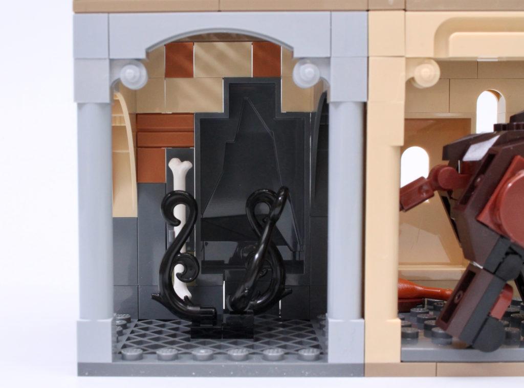 LEGO Harry Potter 76387 Hogwarts Fluffy Encounter review 9