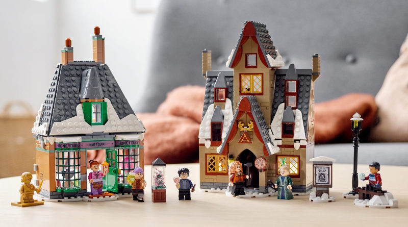 LEGO Harry Potter 76388 Hogsmeade Village Visit lifestlyle featured