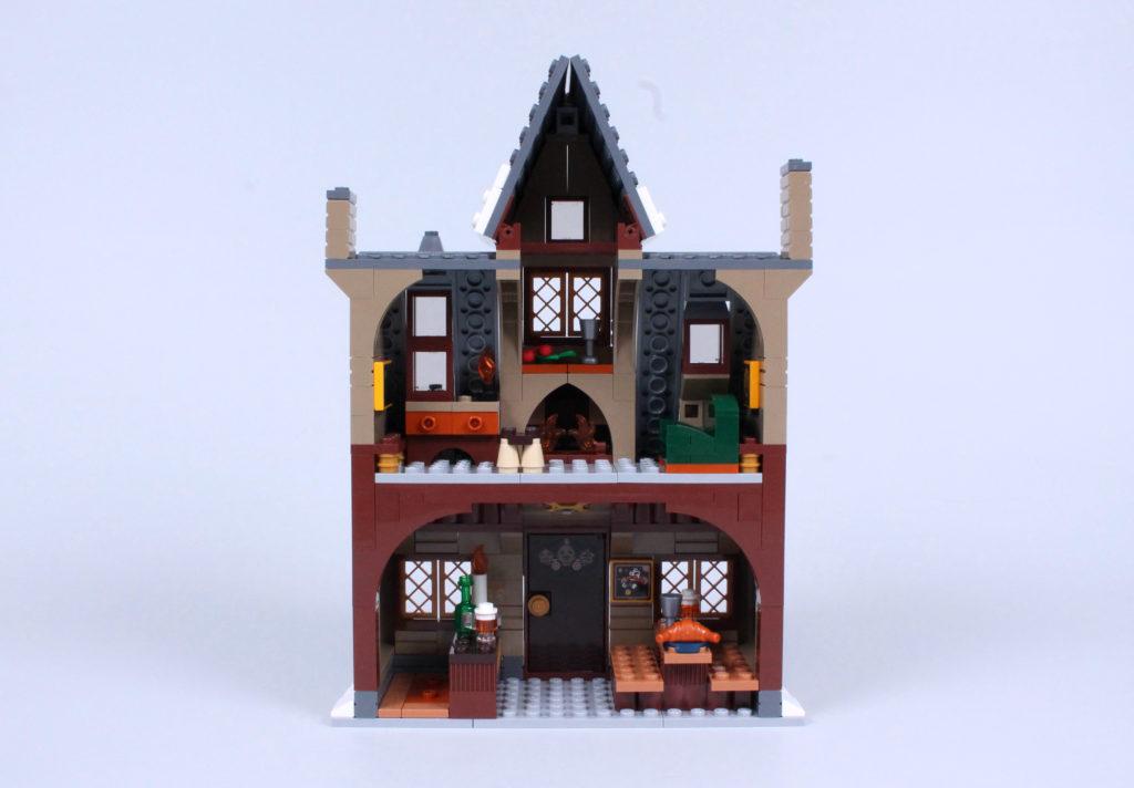 LEGO Harry Potter 76388 Hogsmeade Village Visit review 12