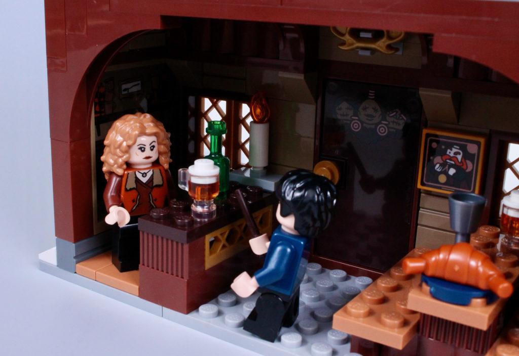 LEGO Harry Potter 76388 Hogsmeade Village Visit review 13