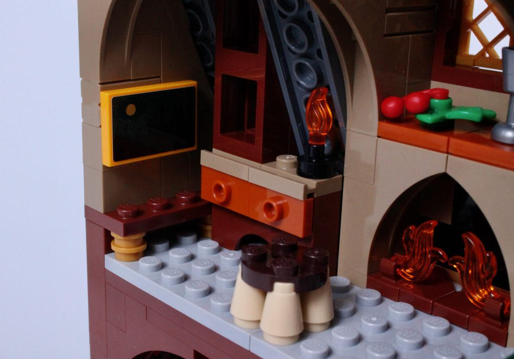 LEGO Harry Potter 76388 Hogsmeade Village Visit review 16