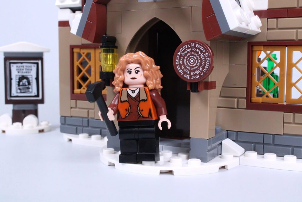 LEGO Harry Potter 76388 Hogsmeade Village Visit review 18