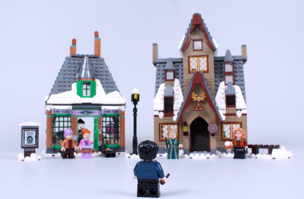 LEGO Harry Potter 76388 Hogsmeade Village Visit review 21