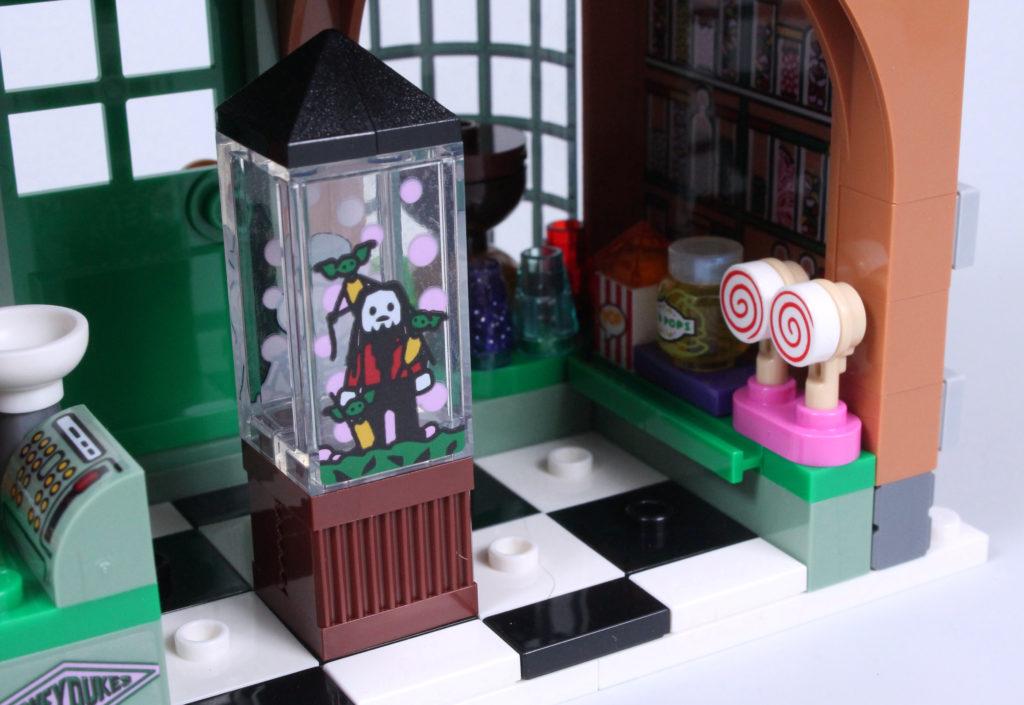 LEGO Harry Potter 76388 Hogsmeade Village Visit review 8