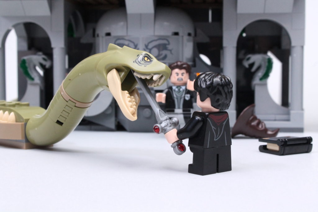 LEGO Harry Potter 76389 Chamber of Secrets review 8