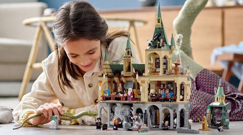 LEGO Harry Potter 76389 Hogwarts Chamber of Secrets featured 2