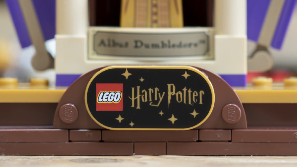 LEGO Harry Potter 76391 Hogwarts Icons Collectors Edition 45