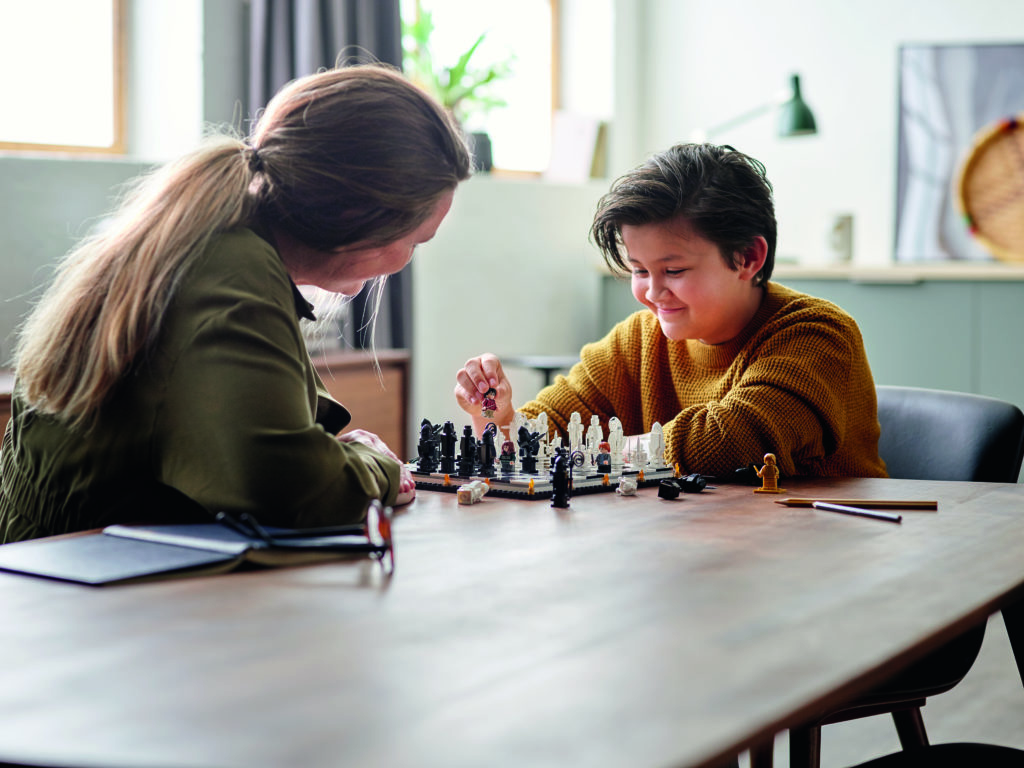 LEGO Harry Potter 76392 Hogwarts Wizards Chess 3