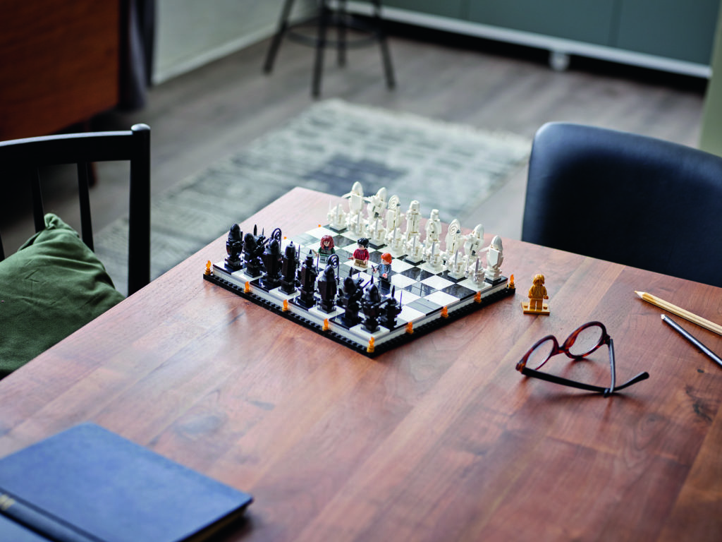 LEGO Harry Potter 76392 Hogwarts Wizards Chess 4