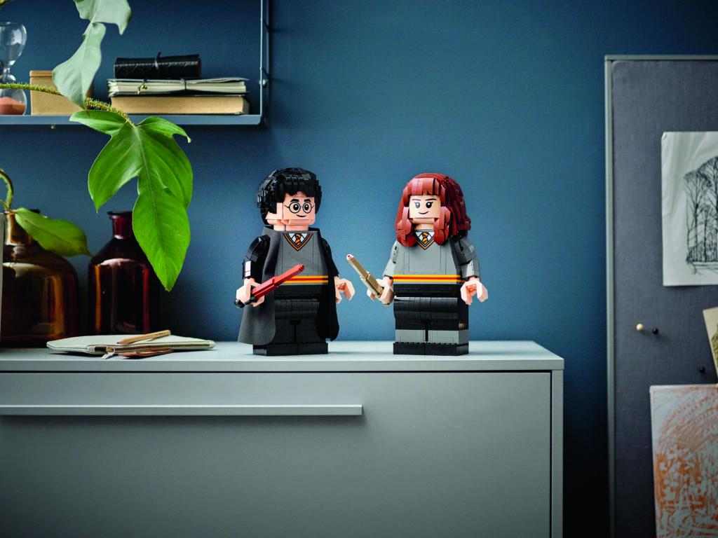 LEGO Harry Potter 76393 Harry Potter Hermione Granger 5
