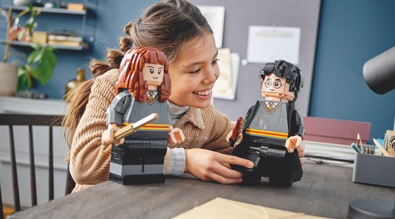 LEGO Harry Potter 76393 Harry Potter Hermione Granger Featured