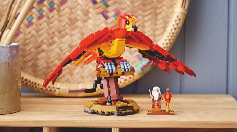 LEGO Harry Potter 76394 Fawkes Dumbledores Phoenix featured