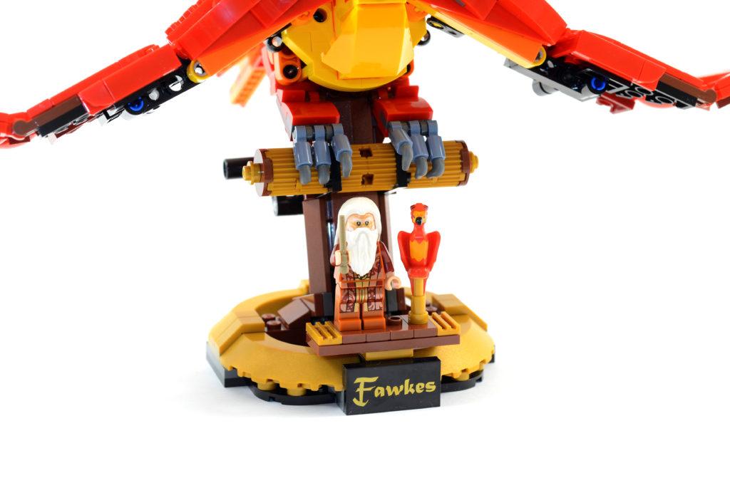 LEGO Harry Potter 76394 Fawkes Dumbledores Phoenix review 11