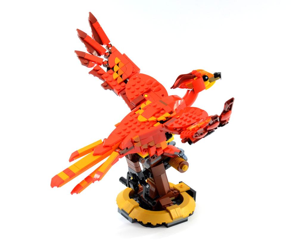 LEGO Harry Potter 76394 Fawkes Dumbledores Phoenix review 2