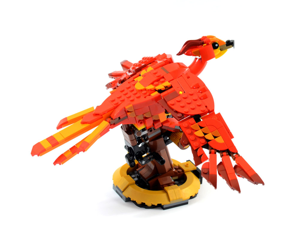 LEGO Harry Potter 76394 Fawkes Dumbledores Phoenix review 3