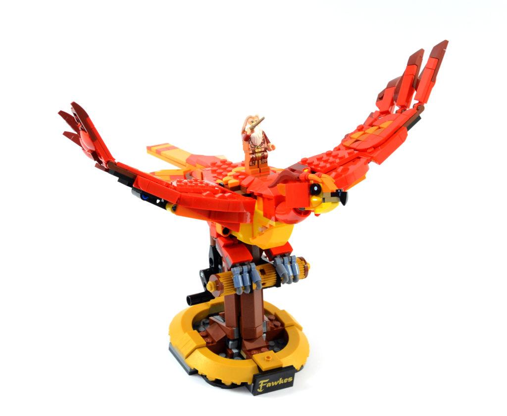 LEGO Harry Potter 76394 Fawkes Dumbledores Phoenix review 4