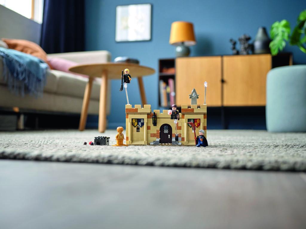 LEGO Harry Potter 76395 Hogwarts First Flying Lesson 4