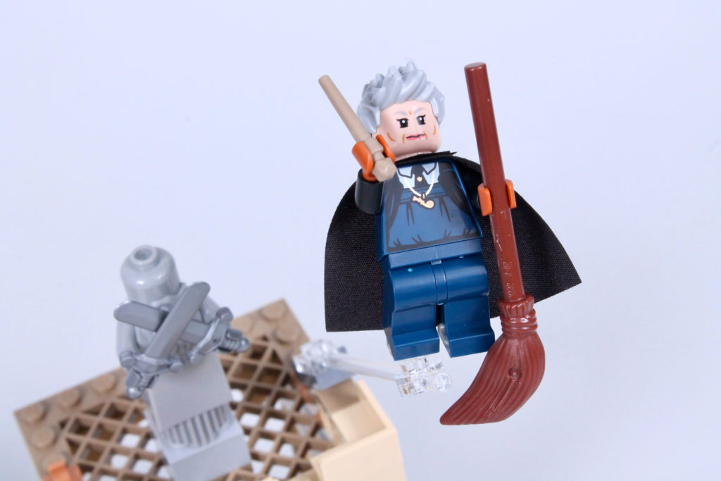 LEGO Harry Potter 76395 Hogwarts First Flying Lesson review 21