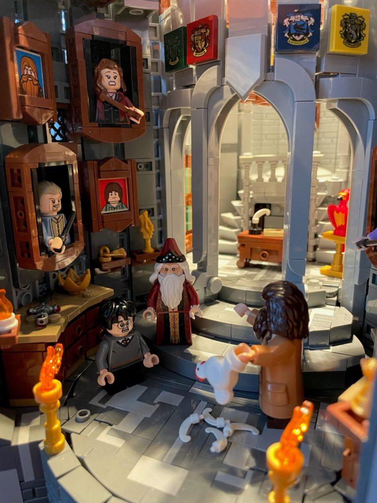 LEGO Harry Potter Dumbledores office 1